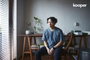 Studio Visit : 'เจโต' กับเรื่องราวของบ้าน งาน ฮอกกี้ และมุมมองศิลปะ